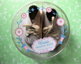 Adorable Vintage Infant, Baby Shoes in Original Plastic Box with Small Card, Montgomery Ward