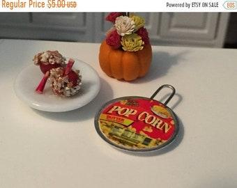 SALE Miniature Popcorn, Stove Top Popcorn, Dollhouse Miniature, Miniature Food, Dollhouse Accessory, Dollhouse Food, Crafts, Embellishment