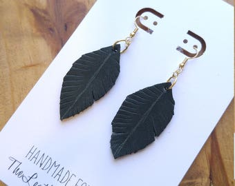 Small Leather Feather Earrings, Hunter Green, Fall Colors, Autumn Style, Hand Cut Feathers, Leaf, Minimalist Boho Style, Genuine Leather