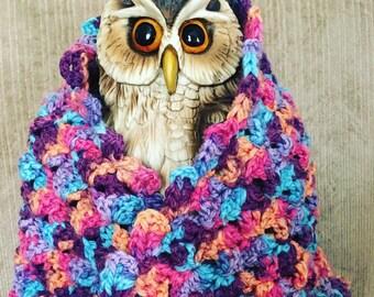 Trippy Twisted Crochet Cowl