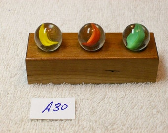 Marble Lot Of 3 Vintage / Peltier Banana Cat Eye Marbles With Display / A30