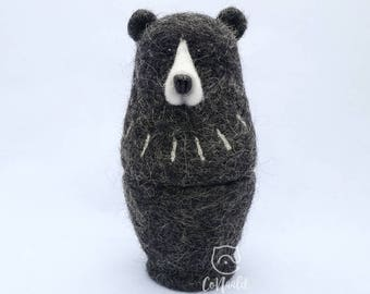 """Felt Matryoshka-doll-Bear """"pins Kiss"""". Needle felt. 100% Wool!"""