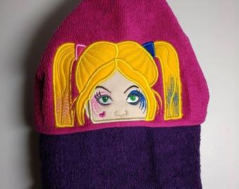 Hooded towel with Harley Quinn peeker.