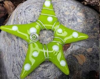 Star ornament - Green star white polka dots