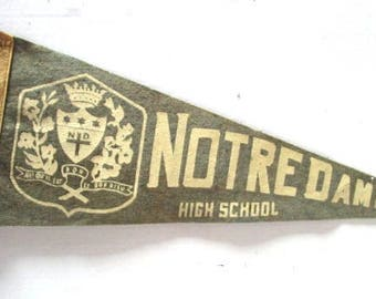 Ex Lrg Vintage Pennant Souvenir, Notre Dame High School Catholic, Tourist Travel Family Vacation, Sage Green Beige, Upcycle Craft, Felt Flag
