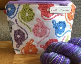 Yarn crochet wip project bag zipper pouch with progress keeper stitch marker