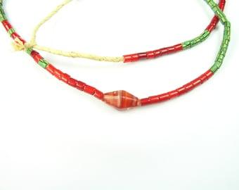 Antikes gezeichneten venezianischen gestreift und tubuläre weiß Herz Perlen mit einem größeren Bicone Perlen 4mm FULL Strang afrikanischen Handel