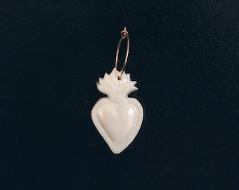 Earring 'Heart', glazed porcelain.