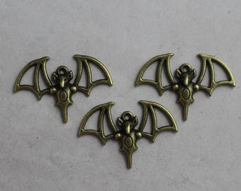 mouse 4 large bat shaped charms in antique bronze