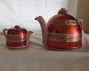 Vintage Art Deco Style Teapot with Insulated Cozy