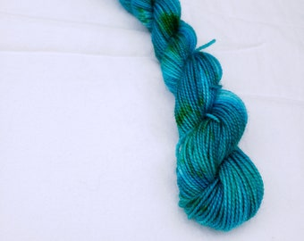 Pacific Dive - Hand dyed sock yarn mini 20oz 92yd