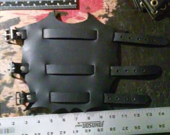 Large 3 Buckle Leather Gauntlets