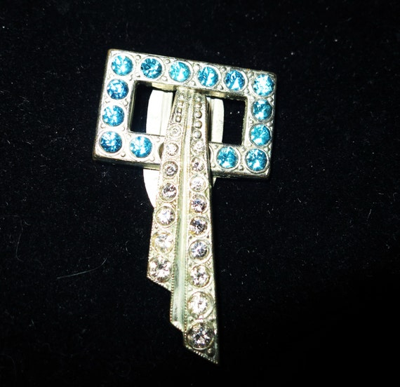 Lovely vintage 1940s Art Deco blue and clear rhinestone dress clip or  brooch