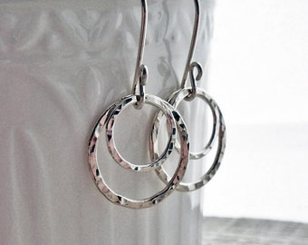 Sterling Silver Earrings, Hammered Circle Earrings, Hammered Hoop Earrings, Argentium Sterling Silver, Modern jewelry, Silver Dangle Earring