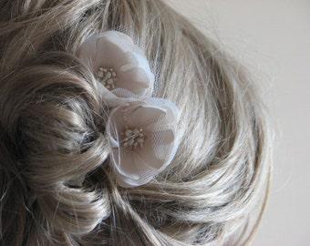 Champagne hair flower Bridal hair clips Hair flower Ivory hair flower Cream hair piece Tulle hair flower Wedding flower Cream wedding flower