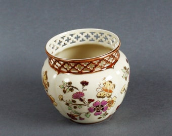 Villmos Zsolnay - Porcelain Vase with floral decoration - hand-painted - c. 1910 - Vintage China