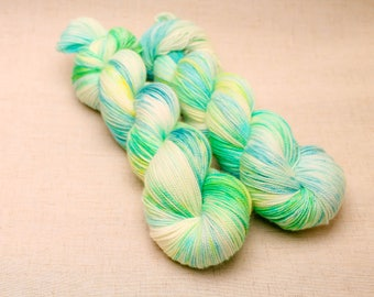 hand dyed yarn 'Early Bulbs' DK