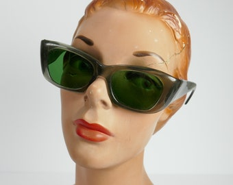 Vintage SunGlasses Green Lucite Glasses Made in Italy Mod 1960's LARGE FACE