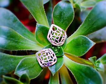 Kholam lattice diamond earrings