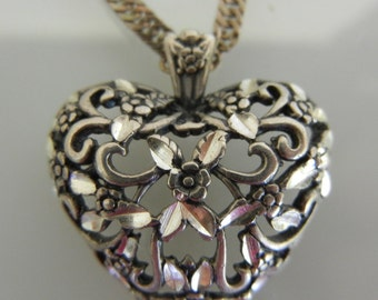 Vintage sterling heart pendant with twist chain