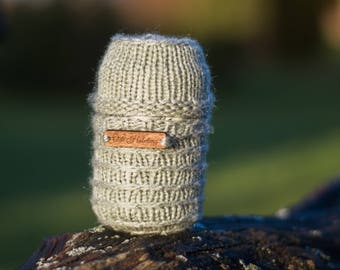 """Hand Knitted Beer Cozy/Can Cooler with a Cap """"Õde Hõbelõng"""""""