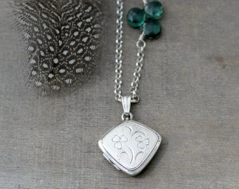 Sterling Silver Locket, Silver Oval Locket Necklace, Shamrock Necklace, Clover Necklace, Vintage Locket Pendant, Photo Locket, Push Gift