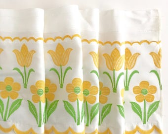 Cafe Curtain Valance Daisies Tulips White Yellow Cottage Farmhouse