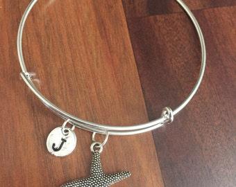 Starfish initial bracelet, starfish jewelry, beach bracelet, ocean jewelry, sea bracelet, beach jewelry, silver starfish bracelet