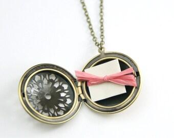 Personalized Filigree Locket | Bridesmaid Locket Necklace | Secret Message Locket | Best Friend Gift | Wife Gift | Christmas Gift