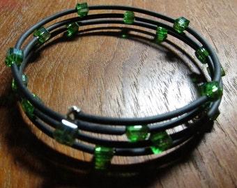 Kelly Green Adjustable Wrap Bracelet Glass Cube Triple Memory Wire Black Neoprene