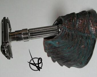 Safety Razor Stand - Copper Wyrm