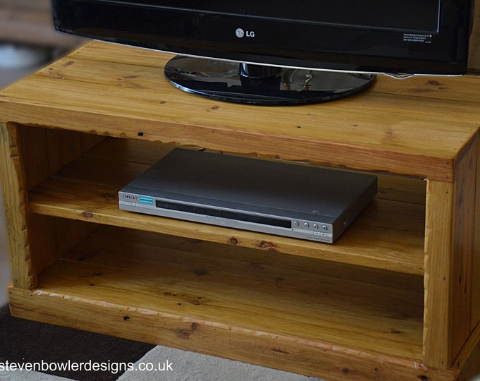 """Bespoke Rustic Country Cottage Reclaimed Wood TV Unit Light Oak Stain with Decorative Edging Handcrafted to Order 36"""" W 15"""" D and 18"""" H"""