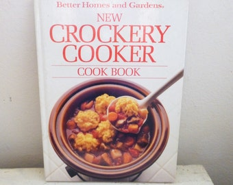 Crockery cookbook, Better Homes and Gardens, crockpot recipes, winter recipes, one pot meals, recipe book, wedding present, housewarming