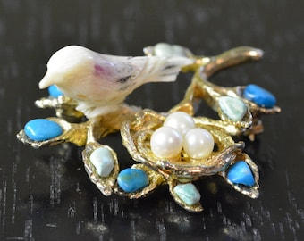 Bird and nest with eggs brooch