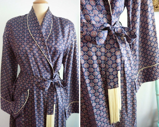 Long 1940s satin night robe / gown