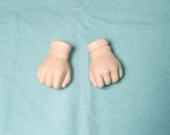 "doll fists, bisque/ 2 1/8""/Vintage, 1990s/Germany"