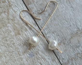 freshwater pearl drop earring-14kt gf