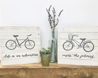 Set of hand drawn bicycles