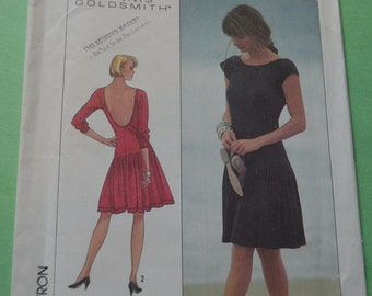 Simplicity 8588 Misses easy to Sew Slim Fitting Dress Sewing Pattern - UNCUT -  Size 14 Bust 36