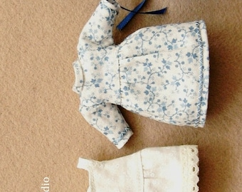 Printed pattern 1:12 Scale doll clothes prairie pioneer girl costume for miniature 10cm doll 4 inch girl. One inch scale prairie dress.