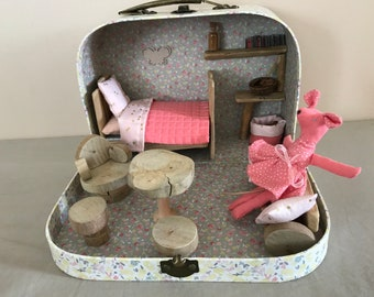 The little mouse House suitcase