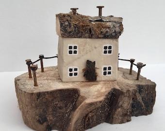 Little Cream Wooden House, Miniature Seaside Cottage Ornament, Driftwood Art, Coastal Décor, Housewarming, Birthday, Christmas Gift
