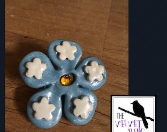 Blue Daisy Pin