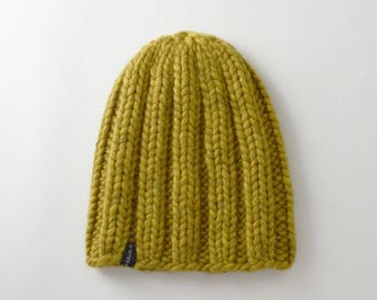 Beanie chunky knit hand knitted in wool mustard color
