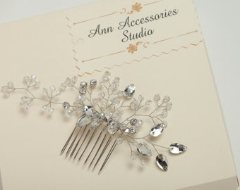 Crystal wedding hair comb Bridal hair comb Bridal hair piece Crystal wedding headpiece Wedding hair comb with crystals and rhinestones