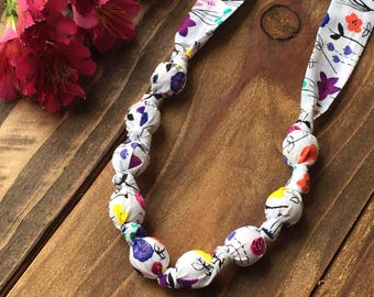 Floral teething necklace - Organic teether - Fabric teething necklace for mom - Organic nursing necklace - Baby gift - Flower necklace