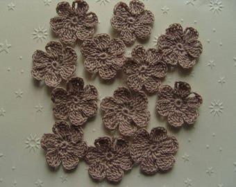Old pink cotton, 3 cm, applique crochet flowers