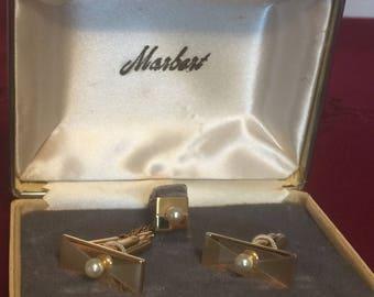 Vintage Goldtone Set of Cufflinks  and Tie Tack