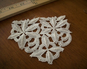 1 Vintage all cotton 1920s antique lace applique