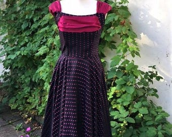 Size 8-10 Rasberry spot/Black 1950'S Vintage Swing Dress